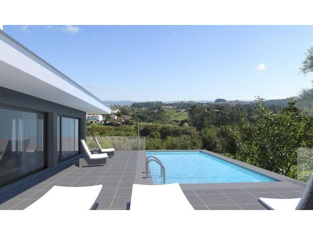 Fantastic 3 bedroom House in a 5300m2 land - 15 minutes from beaches
